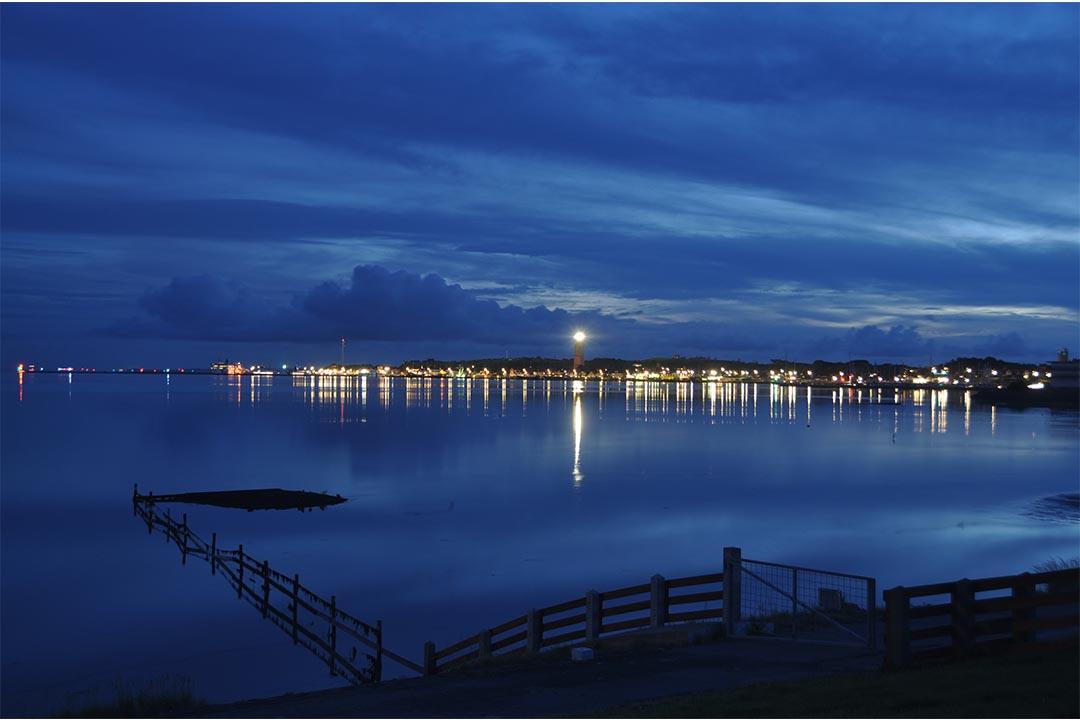 Baai Dellewal in de nacht