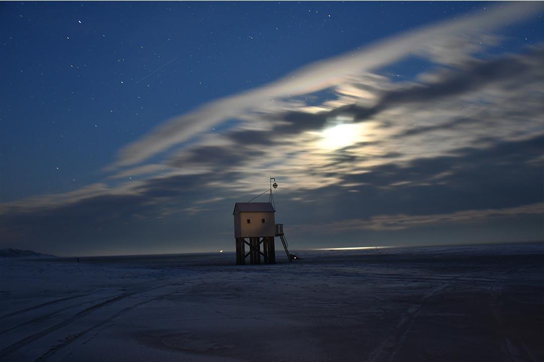 Drenkelingenhuisje in de nacht